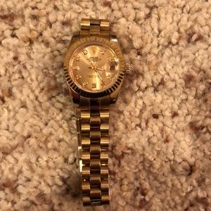 Rolex oyster perpetual datejust 18k solid gold